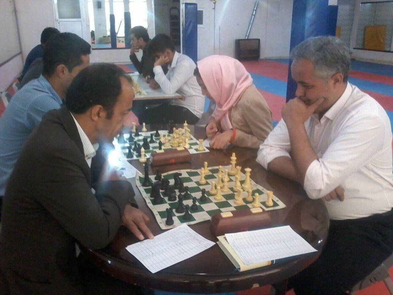 برگزاری مسابقات استاندارد در 9 دور با زمان 60 دقیقه و 30 ثانیه پاداش توسط هیات شطرنج رباط کریم